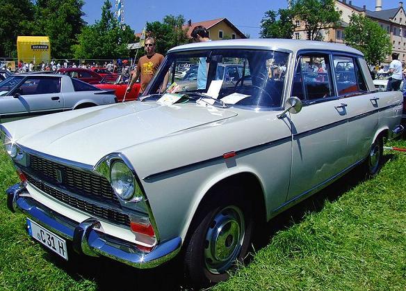 Les Fiat (anciennes) 800px-27