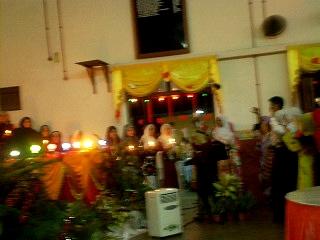 aku nk share video kite wktu nyanyi lagu malam sumbangsih dlu2.. 410