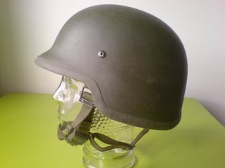 Dutch kevlar helmet (originally posted by ys2003) Dutch510