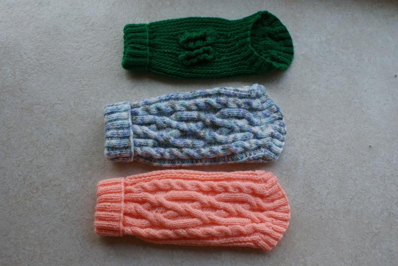Manteaux en laine avec pattes pour petits chiens. Mantea30