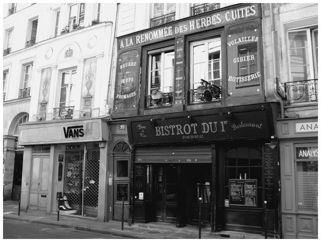 Paris en couleurs , Paris en noir et blanc ! Sdc10721