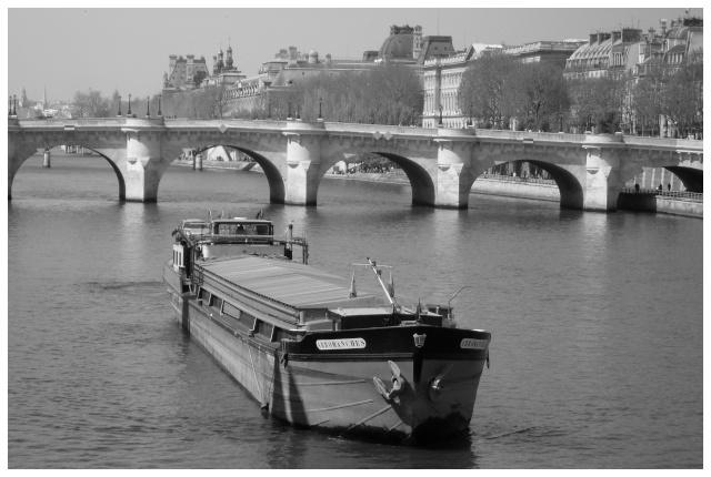 Paris en couleurs , Paris en noir et blanc ! Sdc10724