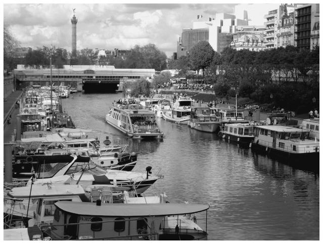 Paris en couleurs , Paris en noir et blanc ! Sdc10910