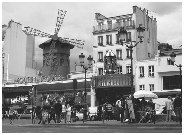 Paris en couleurs , Paris en noir et blanc ! - Page 2 Sdc11010