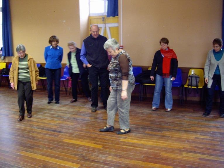 Cours de danses au Strollad Sant Mikêl Imgp9611