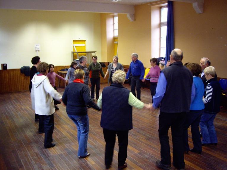 Cours de danses au Strollad Sant Mikêl Imgp9612