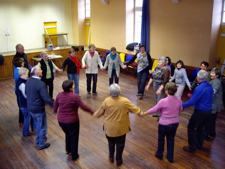 Cours de danses au Strollad Sant Mikêl Imgp9613