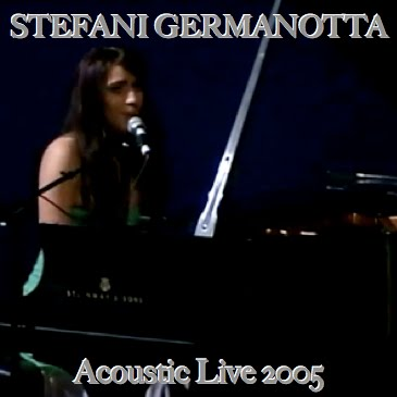 2005 - Stefani Germanotta - Acoustic Live At NYU - Captivated 'n Electric-Kiss. 200510