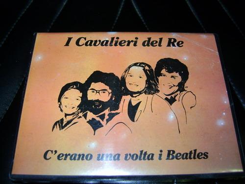 MC COFANETTO AUDIO CASSETTA CAVALIERI DEL RE CANTANO I BEATLES Cavali12