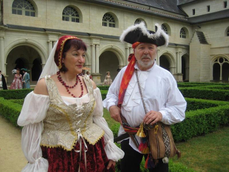 Balade en costume et visite de l'abbaye de Fontevraud 2010 Baldim13
