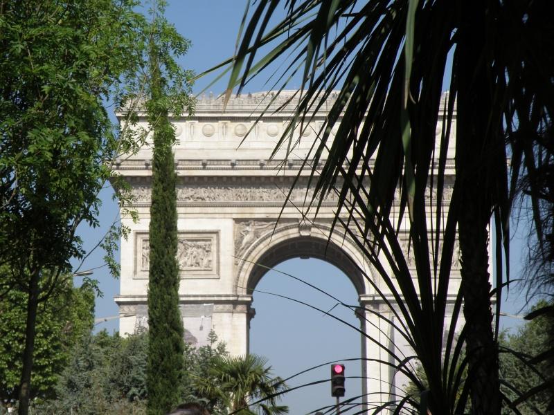 Les Champs Elysées méritent leur nom Paris_10