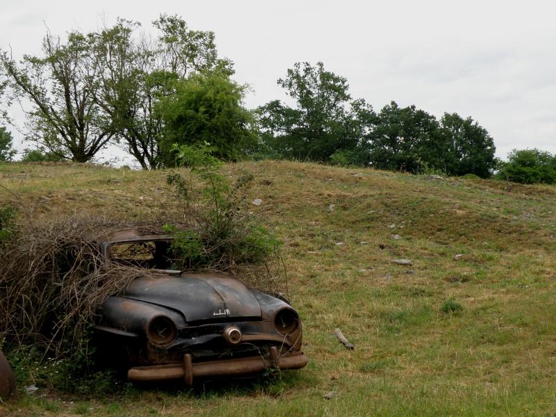 Appel à la nostalgie des épaves automobiles Vauvar98