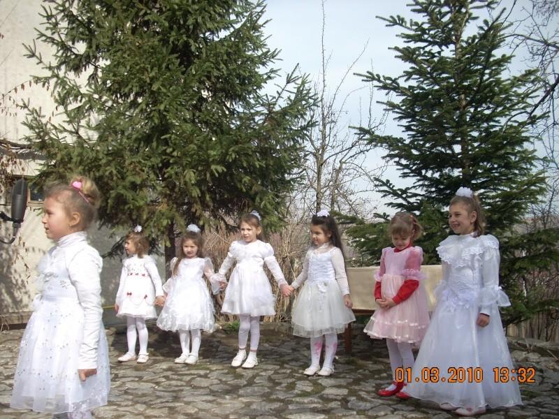 1 martie 2010 la bojdeuca lui Creanga in Ţicău-Iaşi 01_mar12