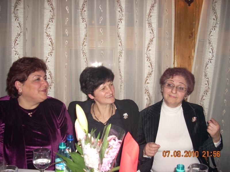 Sarbatorirea zilei de 8 martie 2010 intre prieteni 07_mar30
