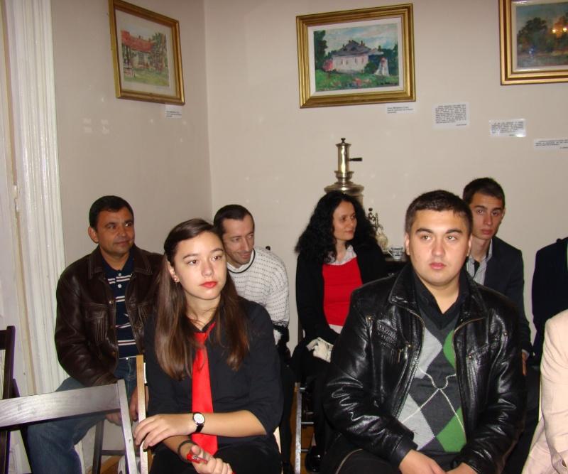 13 noiembrie 2010 -Sedinta a VII-a a Cenaclului U.P.-Lansare de carte-Vasilica Ilie-Fereastra de la Răsăritul Cuvântului Cenac117