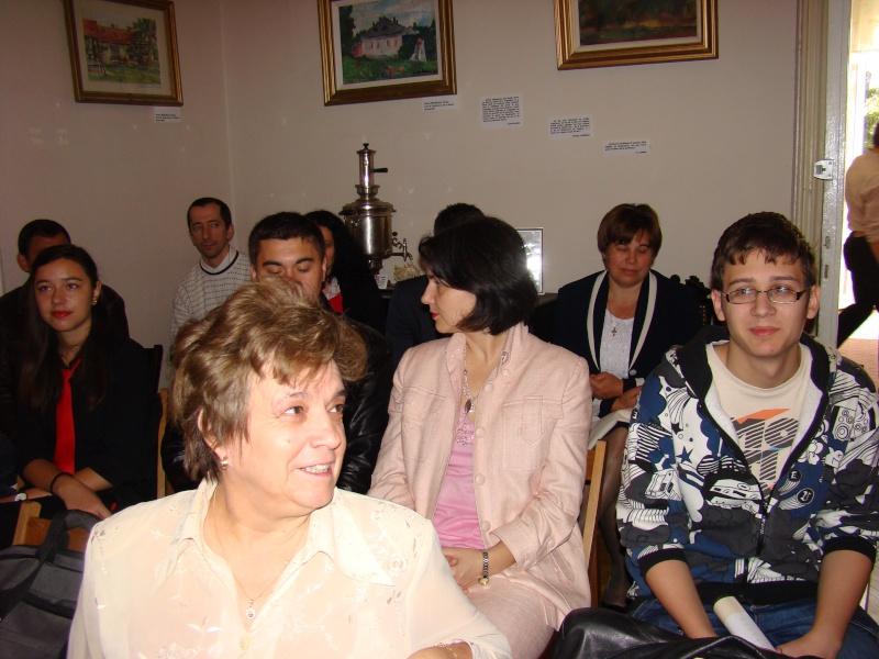 13 noiembrie 2010 -Sedinta a VII-a a Cenaclului U.P.-Lansare de carte-Vasilica Ilie-Fereastra de la Răsăritul Cuvântului Cenac118