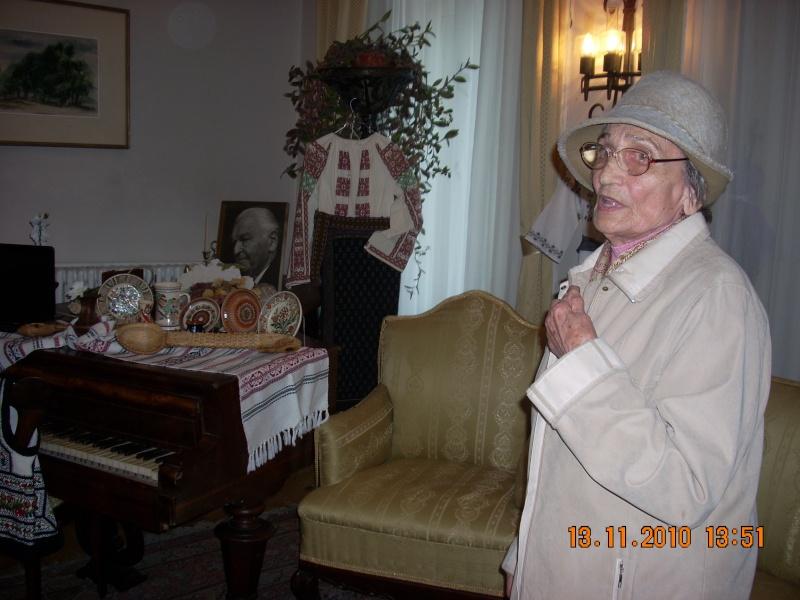 13 noiembrie 2010 -Sedinta a VII-a a Cenaclului U.P.-Lansare de carte-Vasilica Ilie-Fereastra de la Răsăritul Cuvântului Cenac129