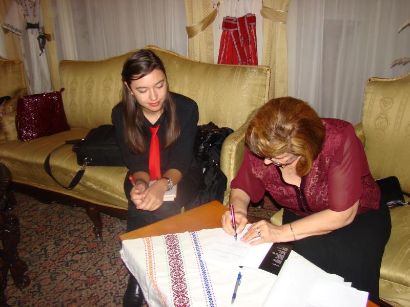 13 noiembrie 2010 -Sedinta a VII-a a Cenaclului U.P.-Lansare de carte-Vasilica Ilie-Fereastra de la Răsăritul Cuvântului Cenac158