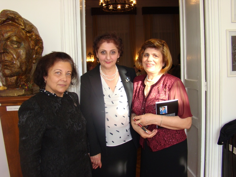 13 noiembrie 2010 -Sedinta a VII-a a Cenaclului U.P.-Lansare de carte-Vasilica Ilie-Fereastra de la Răsăritul Cuvântului Cenac160