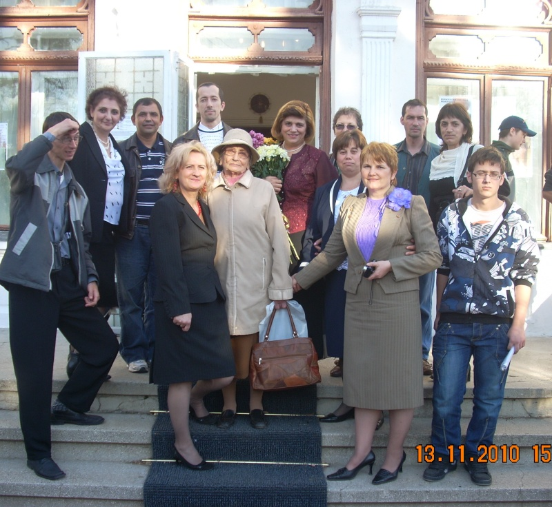 13 noiembrie 2010 -Sedinta a VII-a a Cenaclului U.P.-Lansare de carte-Vasilica Ilie-Fereastra de la Răsăritul Cuvântului Cenac166