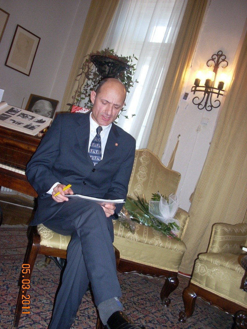"""5 Martie 2011-Sedinta a-XI-a a Cenaclului U.P.-Lansare de carte-""""Stau la poarta viselor""""-de Silvia V. Gurău Cenac194"""