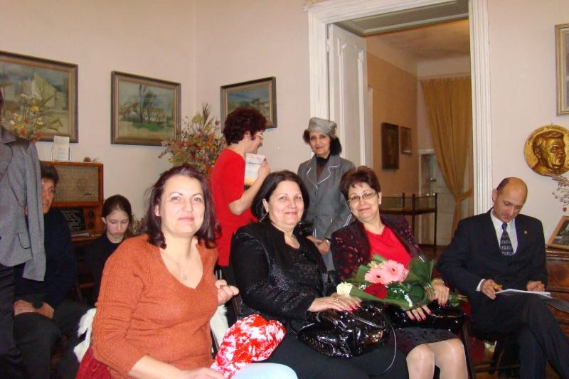 """5 Martie 2011-Sedinta a-XI-a a Cenaclului U.P.-Lansare de carte-""""Stau la poarta viselor""""-de Silvia V. Gurău Cenac199"""