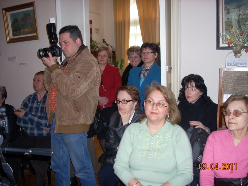 09 aprilie 2011-Sedinta A XII-a Cenaclului U.P-Lansari de carte-Dorina Neculce (Ciocan) si Aurel Avram Stanescu Cenac300