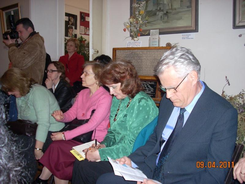 09 aprilie 2011-Sedinta A XII-a Cenaclului U.P-Lansari de carte-Dorina Neculce (Ciocan) si Aurel Avram Stanescu Cenac307