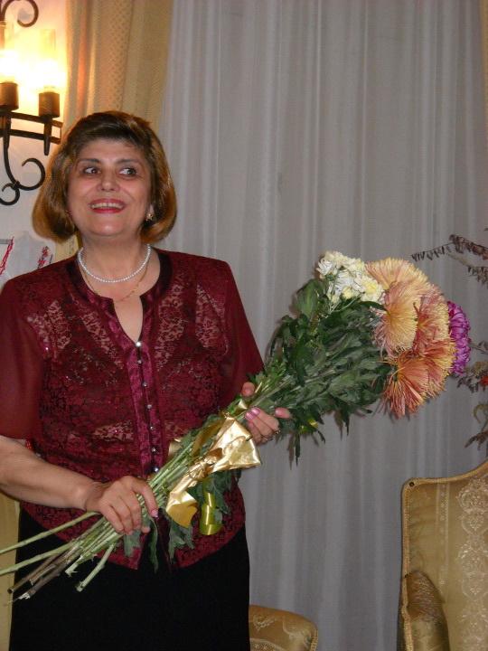 13 noiembrie 2010 -Sedinta a VII-a a Cenaclului U.P.-Lansare de carte-Vasilica Ilie-Fereastra de la Răsăritul Cuvântului Clip_322