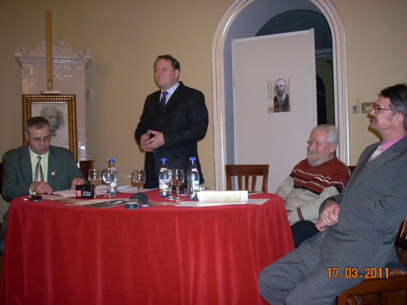 Simpozion Artur Gorovei-17 martie 2011 Dscn5621