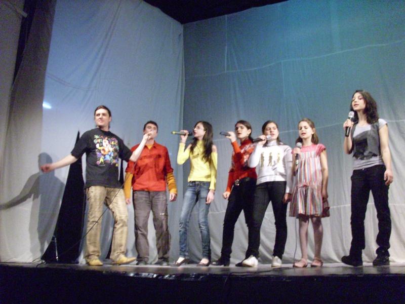 De Florii  28 martie 2010-Varietati la Ateneu Florii20