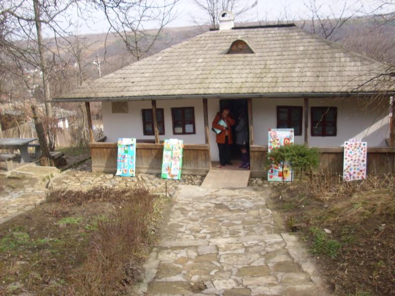 1 martie 2010 la bojdeuca lui Creanga in Ţicău-Iaşi Img_0110