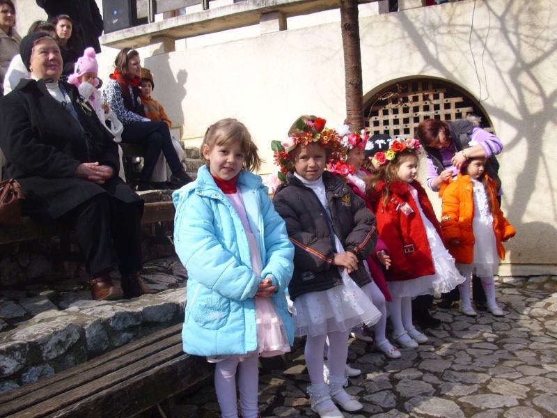 1 martie 2010 la bojdeuca lui Creanga in Ţicău-Iaşi Img_0115