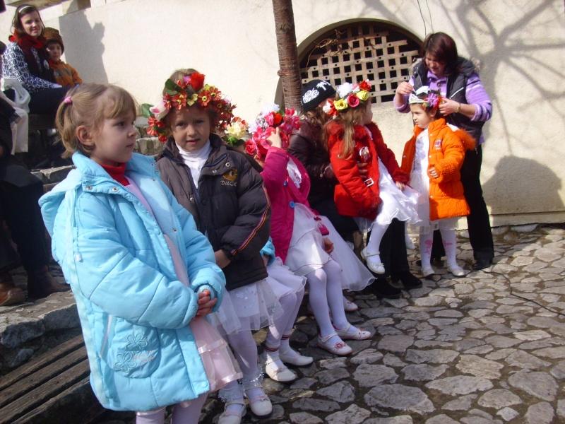 1 martie 2010 la bojdeuca lui Creanga in Ţicău-Iaşi Img_0116