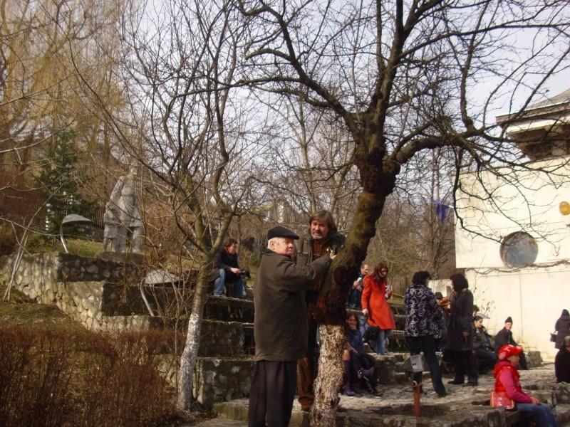 1 martie 2010 la bojdeuca lui Creanga in Ţicău-Iaşi Img_0120