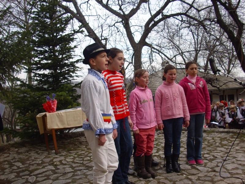 1 martie 2010 la bojdeuca lui Creanga in Ţicău-Iaşi Img_0214