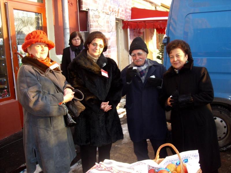 TRADIŢII PE ULIŢA LĂPUŞNEANU-19 decembrie 2010. Mitica10