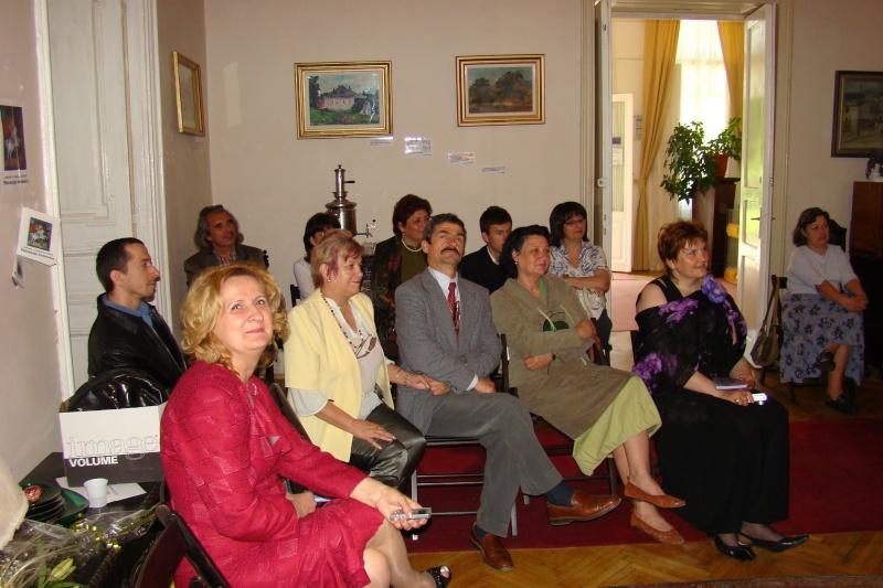 15 MAI 2010-Sedinta a-III-a a Cenaclului U.P-Lansare de carte-Poeme violete-Violetta Petre Poeme_10
