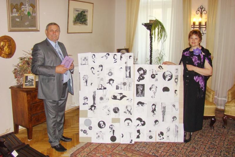 15 MAI 2010-Sedinta a-III-a a Cenaclului U.P-Lansare de carte-Poeme violete-Violetta Petre Poeme_17