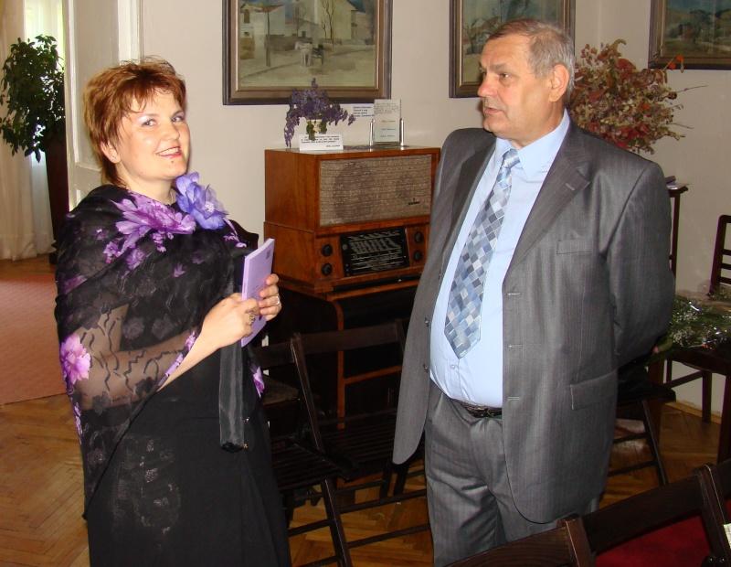 15 MAI 2010-Sedinta a-III-a a Cenaclului U.P-Lansare de carte-Poeme violete-Violetta Petre Poeme_18
