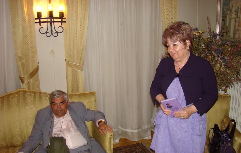 15 MAI 2010-Sedinta a-III-a a Cenaclului U.P-Lansare de carte-Poeme violete-Violetta Petre Poeme_21