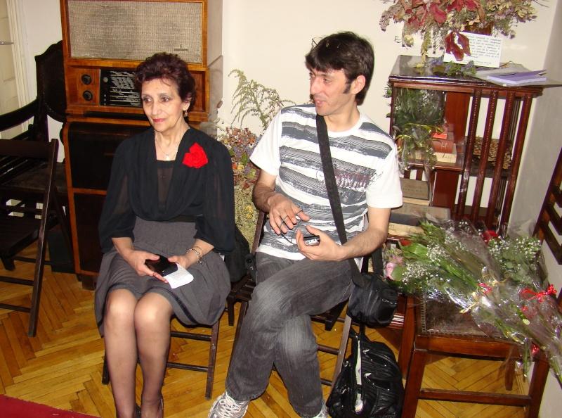15 MAI 2010-Sedinta a-III-a a Cenaclului U.P-Lansare de carte-Poeme violete-Violetta Petre Poeme_26