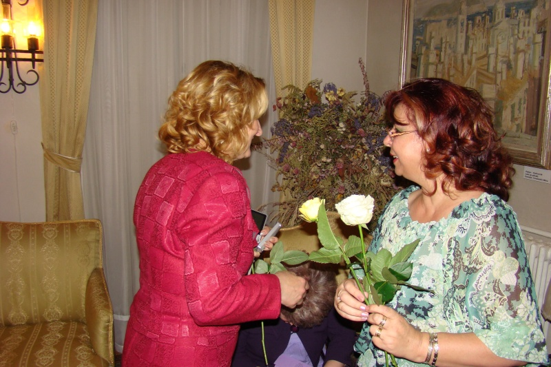 15 MAI 2010-Sedinta a-III-a a Cenaclului U.P-Lansare de carte-Poeme violete-Violetta Petre Poeme_35