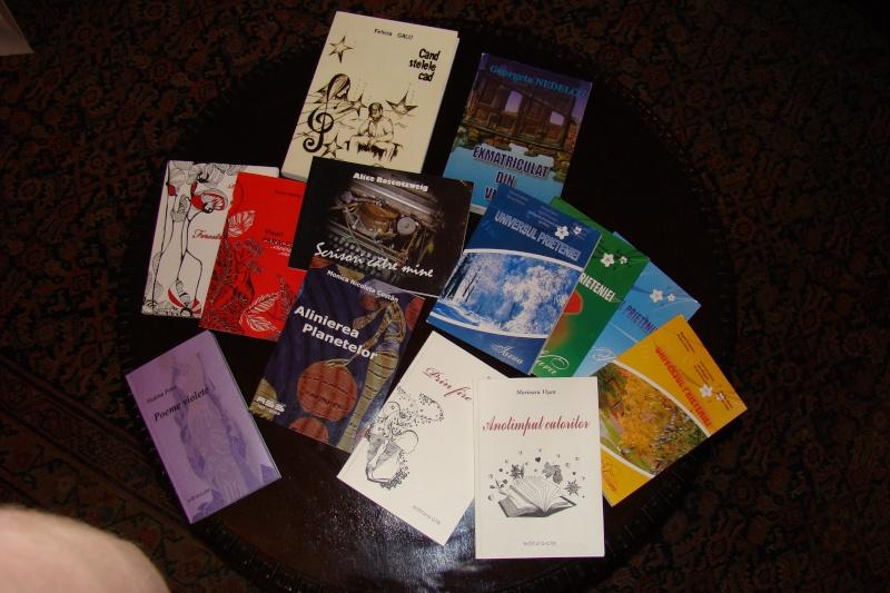 15 MAI 2010-Sedinta a-III-a a Cenaclului U.P-Lansare de carte-Poeme violete-Violetta Petre Poeme_36