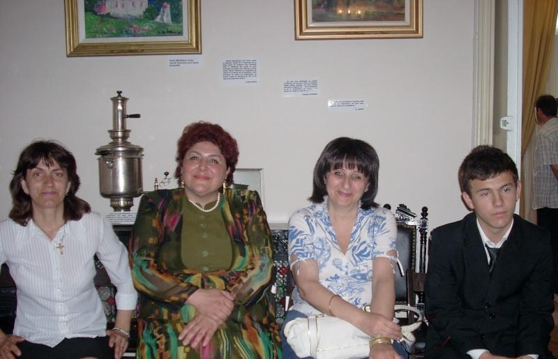15 MAI 2010-Sedinta a-III-a a Cenaclului U.P-Lansare de carte-Poeme violete-Violetta Petre Poeme_41