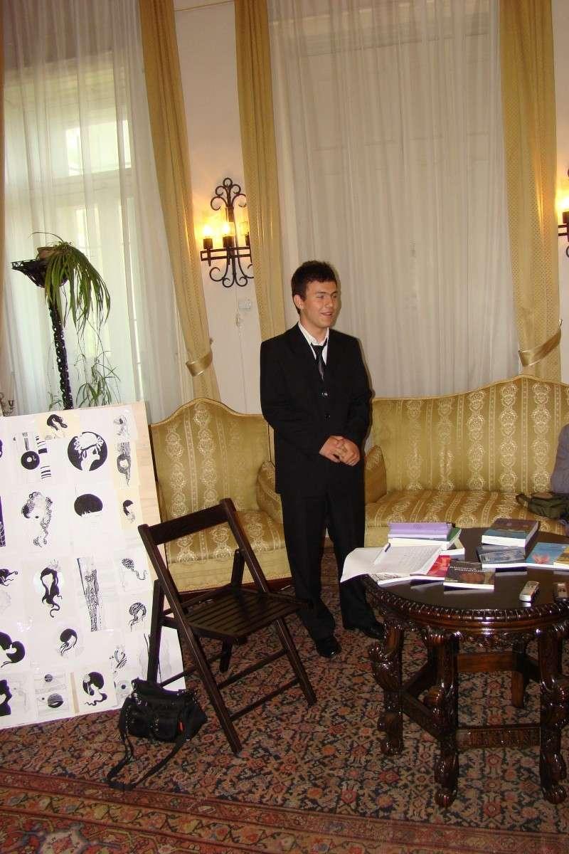 15 MAI 2010-Sedinta a-III-a a Cenaclului U.P-Lansare de carte-Poeme violete-Violetta Petre Poeme_43