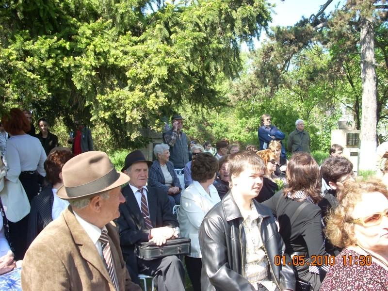SĂRBĂTOAREA LILIACULUI la IAŞI -01 MAI 2010 Sarbat15