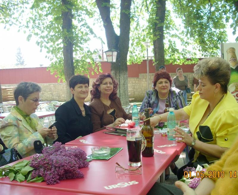 SĂRBĂTOAREA LILIACULUI la IAŞI -01 MAI 2010 Sarbat56