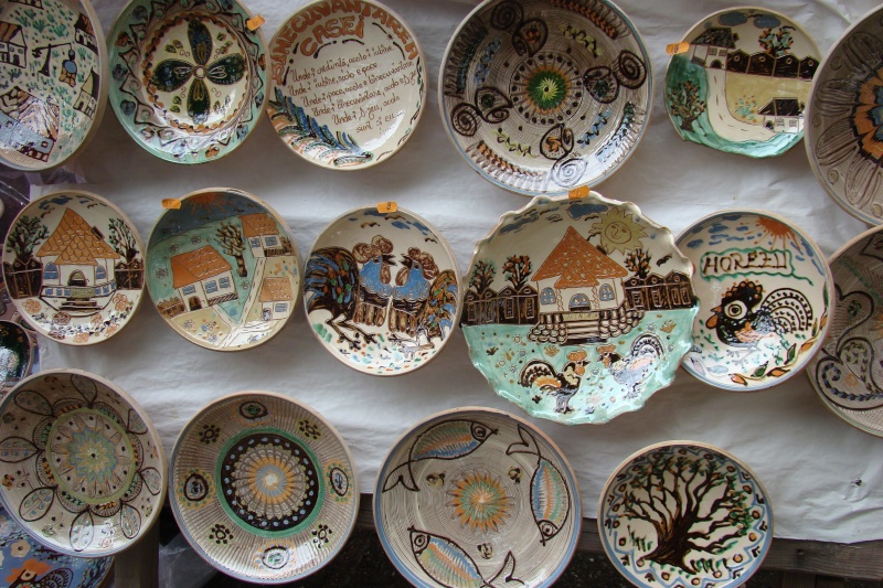 Targul de Arta Ceramica Cucuteni 5000-iunie 2010 Targul13