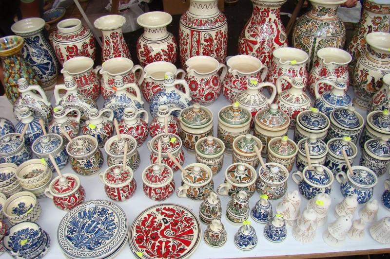 Targul de Arta Ceramica Cucuteni 5000-iunie 2010 Targul27